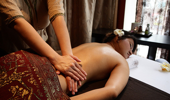 Aromatherapy Oil Massage by MumSabai Thai Massage & Day Spa Coogee