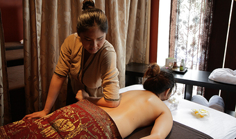 Deep Tissue Hot Oil Massage by MumSabai Thai Massage & Day Spa Coogee