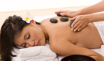 Hot Stone Oil Massage by MumSabai Thai Massage & Day Spa Coogee